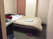102号室  シングル禁煙 洋室