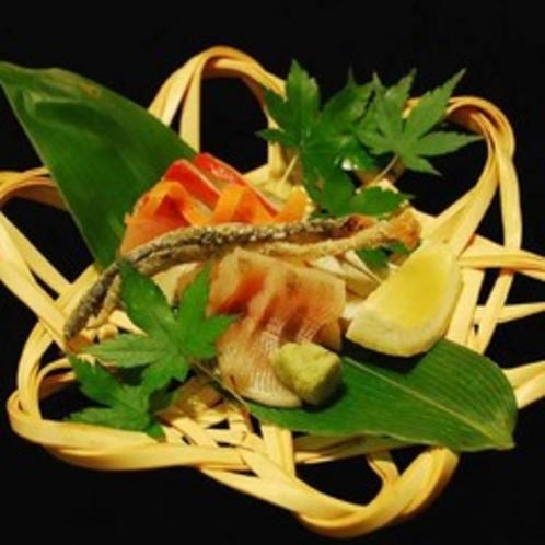 ご夕食の一例/エノハ刺