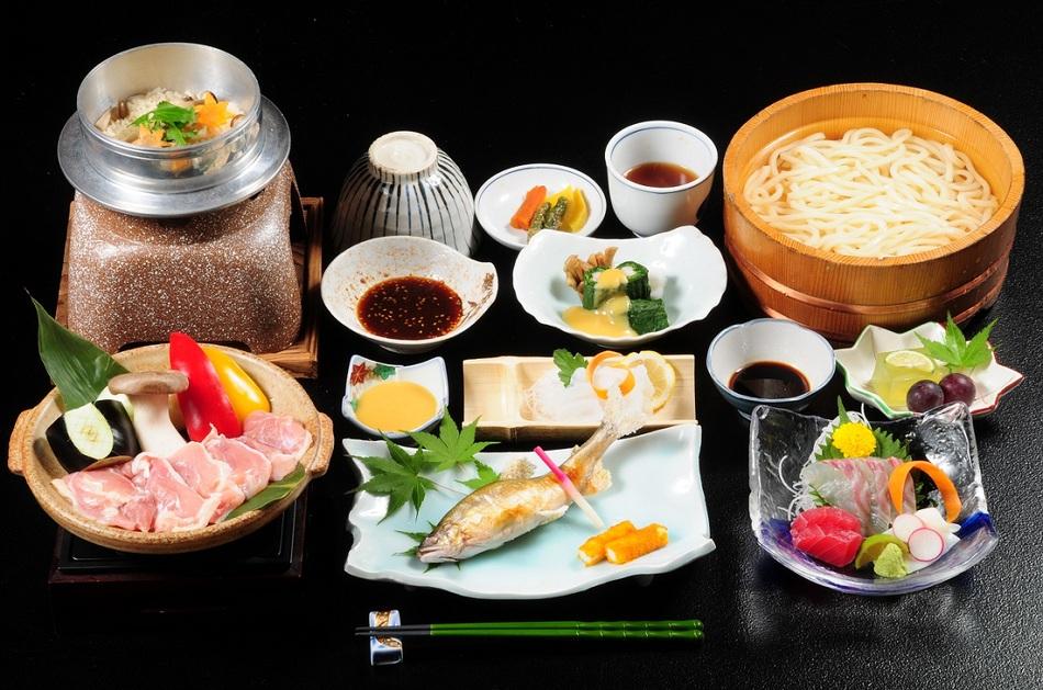 鶏の陶板焼き(季節の天ぷらまたは焼物)