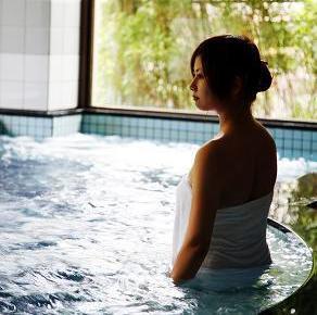 老廃物を除去し、美肌にも効果的なラドン温泉