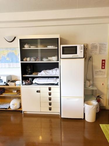 511号室 冷蔵庫&電子レンジ