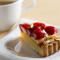 【ガトー・ド・ボヌール】カフェも併設。お飲物とケーキをお楽しみ頂けます。
