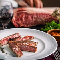 【夕食ブッフェ一例】牛ステーキの産地は日替わり。厳選して仕入れております。(画像はイメージ)