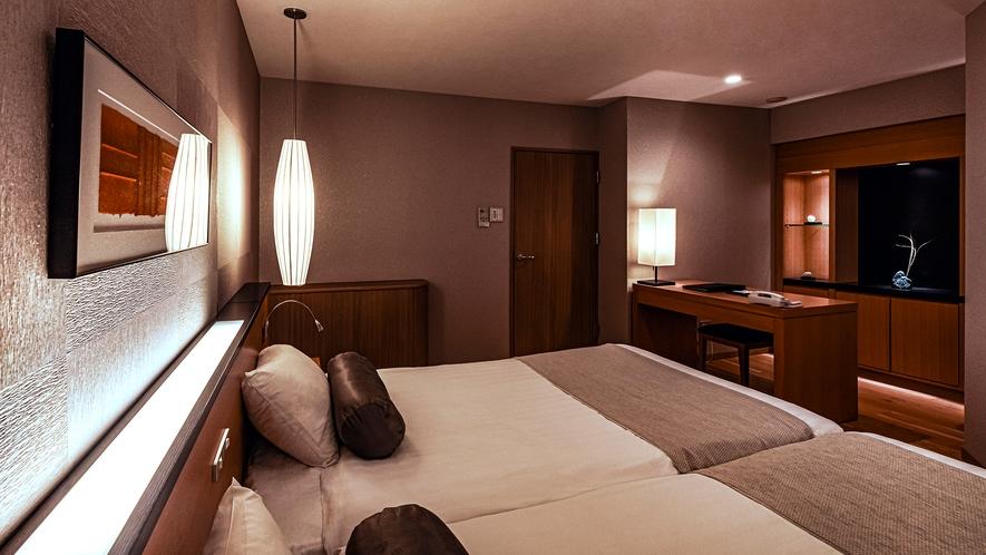 【スパリゾート館特別室】和室と洋室が仕切られた広々客室。