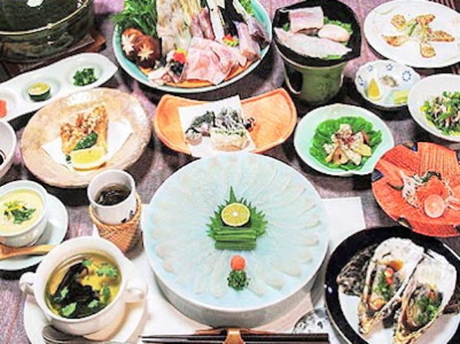 三重県志摩市安乗産の天然とらふぐ、三重ブランド「あのりふぐ」料理の一例。