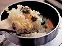 ◆海幸の釜飯◆ホクホクで旨いと評判です