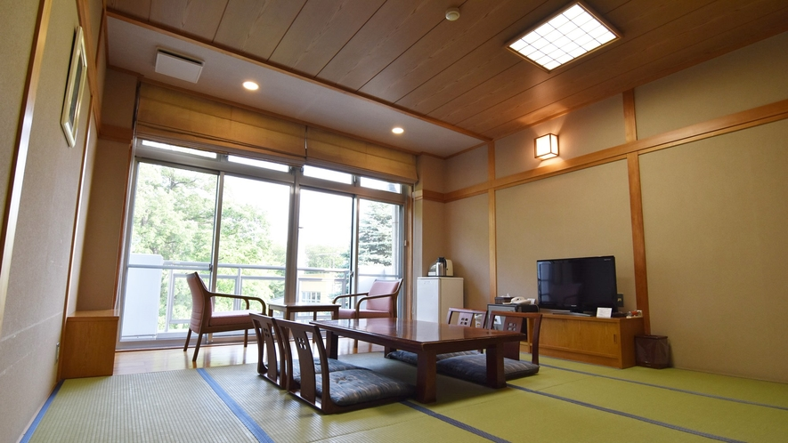 *【客室一例:和室】ゆったり広めの和室。