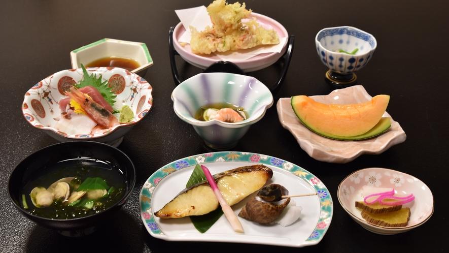 *【夕食一例】自慢の夕食は一品一品を心を込めて作っております。