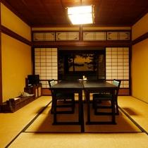 個室空間でのお食事もできます。