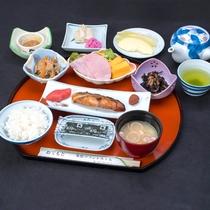 *[朝食一例]山形の美味しいお米とバランスの取れたおかずの和食セット。
