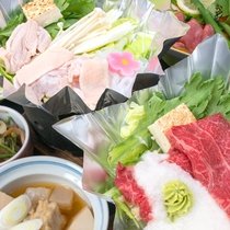 *[夕食一例]旬の野菜や豊富な山菜など、地元食材をふんだんに使用した料理の数々。