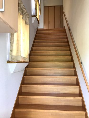 貸別荘 2階へ上がる階段