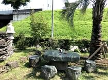 庭園の大理石造りのテーブル&イス