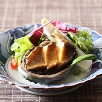 蒸し鮑と夏野菜のサラダ