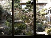 お部屋から見た中庭
