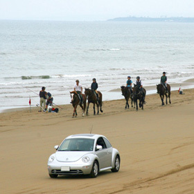 千里浜ドライブウェイ・・・日本で走れる砂の道はココだけ!