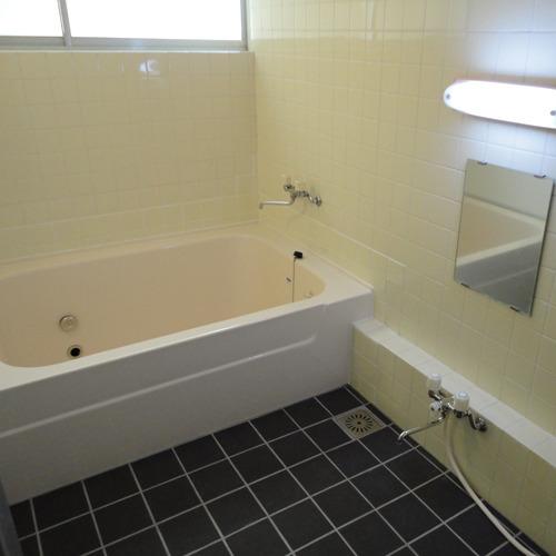 *女性用のお風呂/家族風呂サイズですがリニューアルしたのでキレイ!