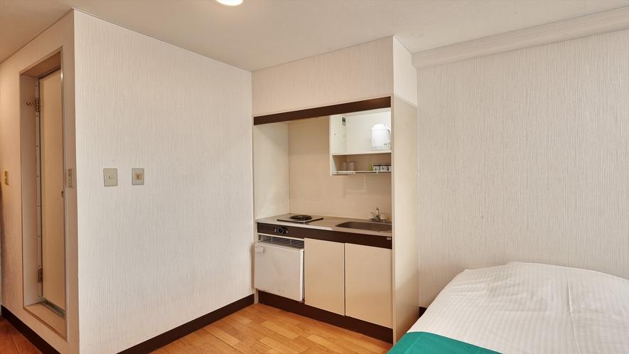 【お部屋/ツインルーム】ダイニングキッチン、冷蔵庫を備えた1~3名様までご利用頂けます