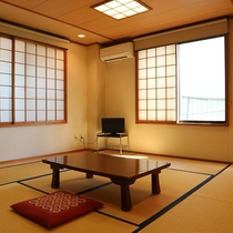 *【お部屋一例】掃除の行き届いた6畳〜20畳までの和室。人数により割り振りさせていただきます。