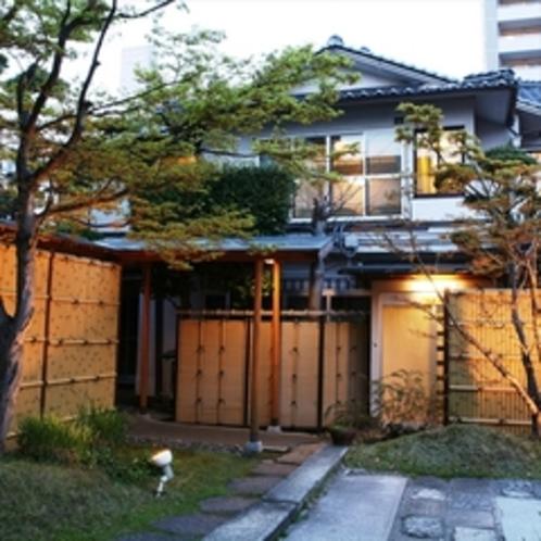 【旧館・玄水亭】玄関口