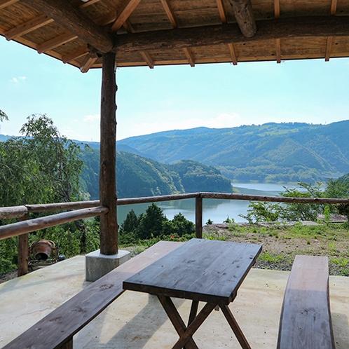 *【その他】湖の見える宿の休憩スペース