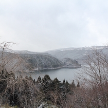 *【周辺】冬の阿木川湖