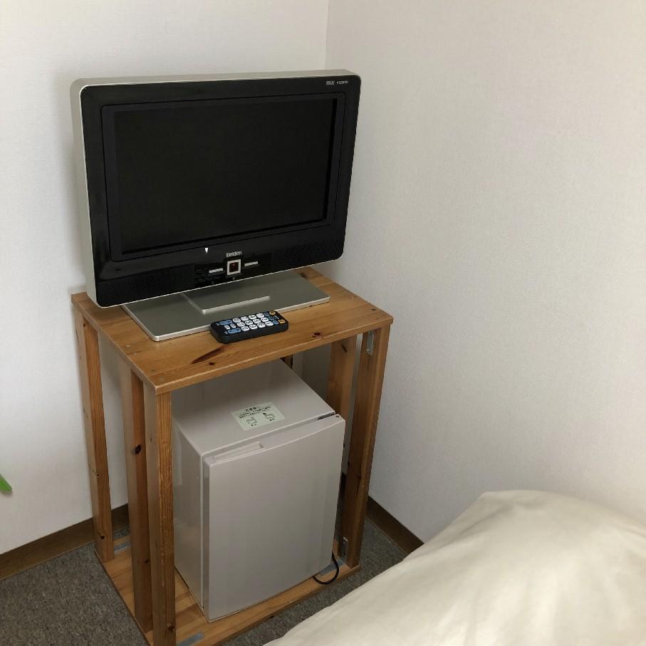客室テレビ&小型冷蔵庫