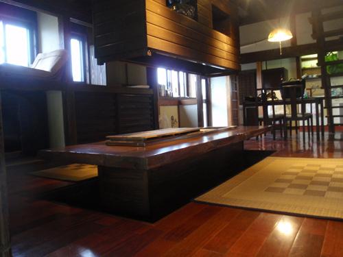 古民家:ダイニングテーブル(炭処)(1)