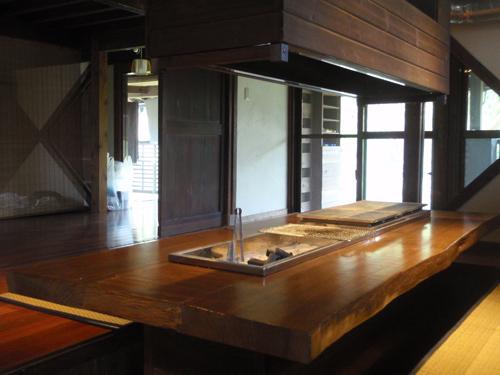 古民家:ダイニングテーブル(2)