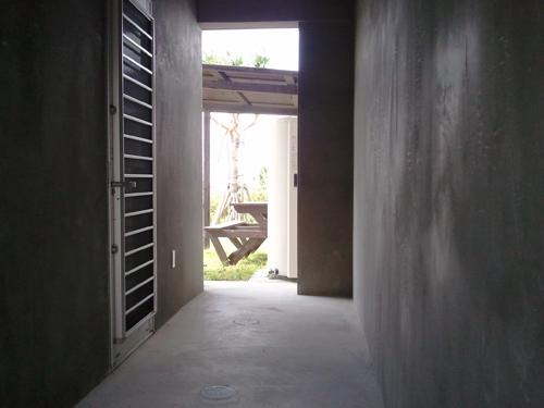 玄関脇・収納スペース