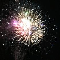 #【人吉花火大会】球磨川側のお部屋の窓から花火鑑賞♪
