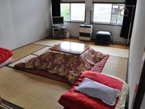 本館 2Fテレビ付8畳和室