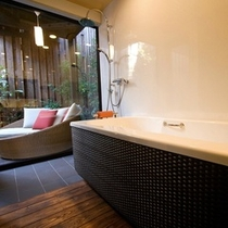 【デザイナーズ離れ】ガラス張りのバスルーム