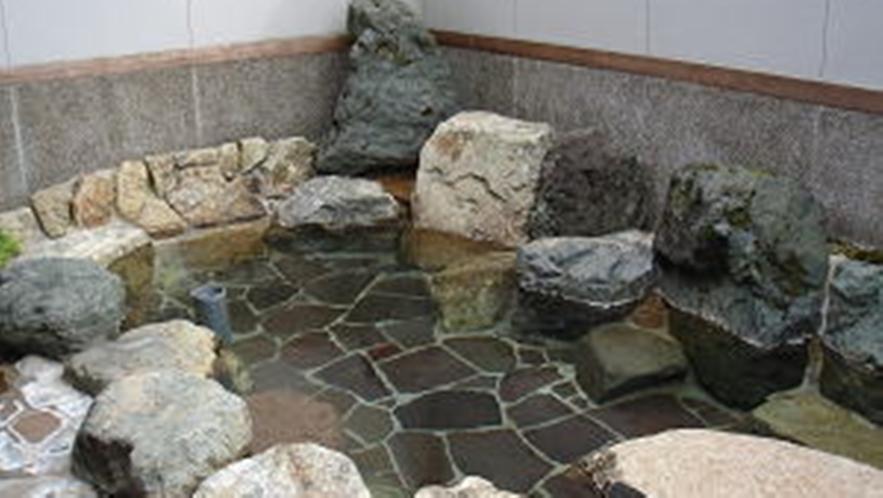 *【お風呂】露天風呂にゆっくりつかって疲れを癒してください。