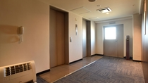 ≪本館≫エレベーターホール