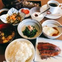 【 朝食写真(一例)】 ビジネス・滞在の方に好評の手作り朝食です♪