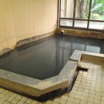 *【内湯・男湯】アルカリ単純泉のかけ流し。もちろん24時間入浴可能!