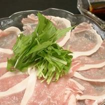 *【食事例】海の幸の他にも、地元の食材を使った料理をご用意致します。