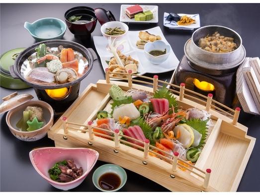 【お肉よりお魚派!!メインは海鮮陶板で船盛付♪♪】新鮮な和食会席と2種類の泉質を堪能する温泉グルメ旅