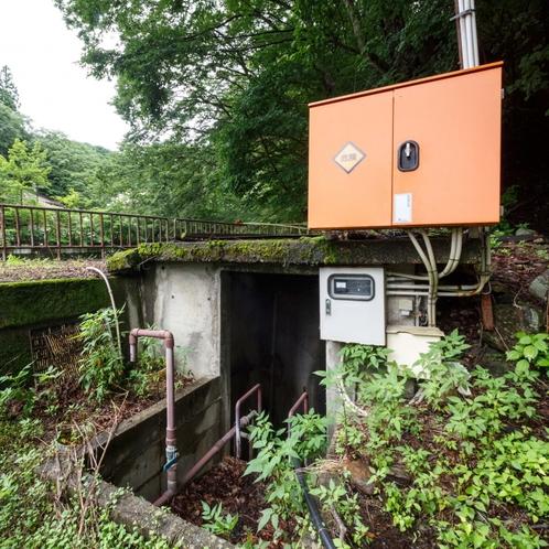 源泉が2ヵ所あり、自噴・ポンプアップによる温泉です。