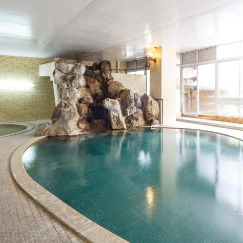 【大浴場】湯口側が熱いゾーン、20メートルあるので、徐々に温くなります。