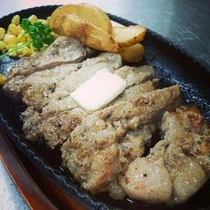安納黒豚ステーキ
