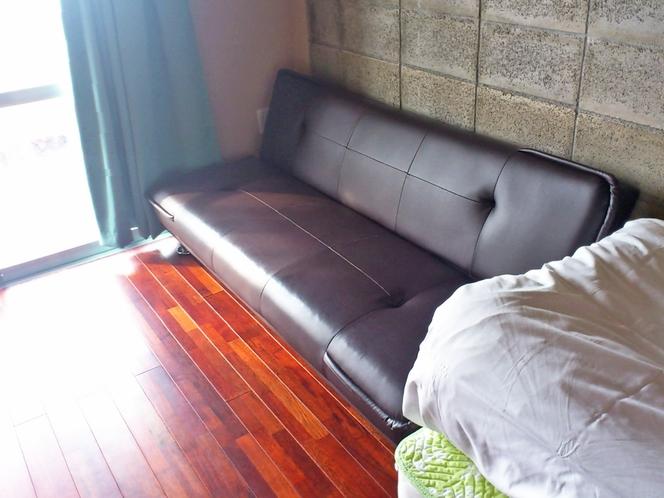 【客室:洋室ツイン】※3人でのご宿泊はソファーベッドをご利用いただきます(布団セット追加OK)
