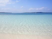 【パイナガマビーチ】白い砂浜とグラデーションが美しいビーチです