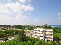 【周辺の景色】高台に位置しますので、伊良部島まで見渡せます