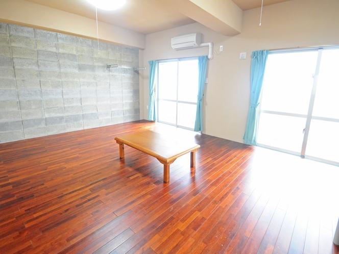 【客室:ファミリー洋室】日当たりのよい広々としたお部屋