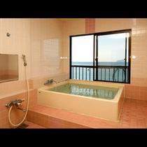 若狭湾を眺望できる展望風呂
