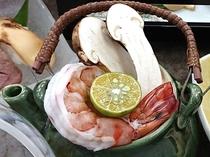 秋の味覚の王様「松茸」土瓶蒸しは香り豊か~♪ご一例
