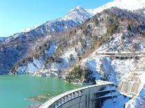 里は紅葉でも!運が良ければ黒部ダムの雪景色が見られるかも!?