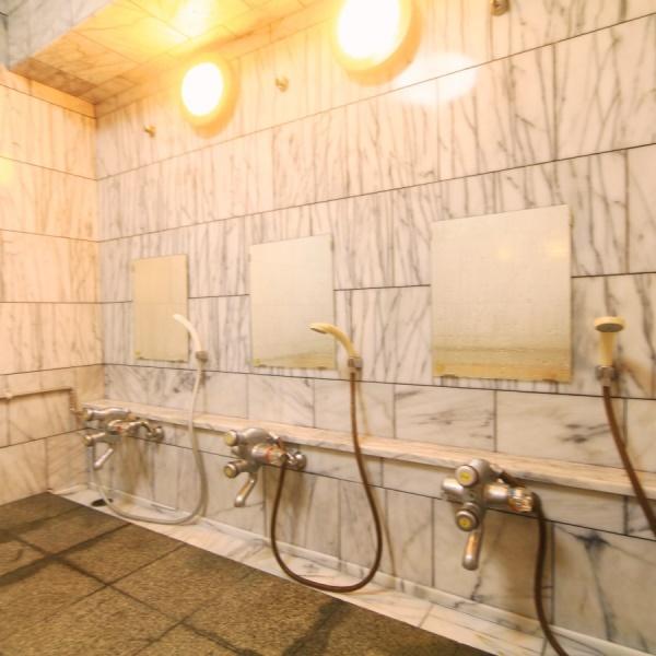 総大理石の温泉大浴場。神戸虎温泉のお湯を引いております。